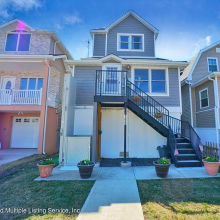 Rent this 3 bed house on 198 Wiman Avenue in New York, NY 10308