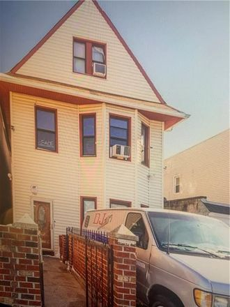 Rent this 7 bed townhouse on E 31st St in Brooklyn, NY