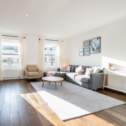 Rent this 3 bed apartment on 149 Gloucester Avenue in London NW1 8JD, United Kingdom