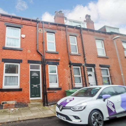 Rent this 2 bed house on Harlech Mount in Leeds LS11 7DW, United Kingdom