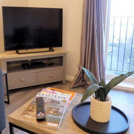 Rent this 2 bed apartment on Beverley Mews in Crawley RH10 1UE, United Kingdom