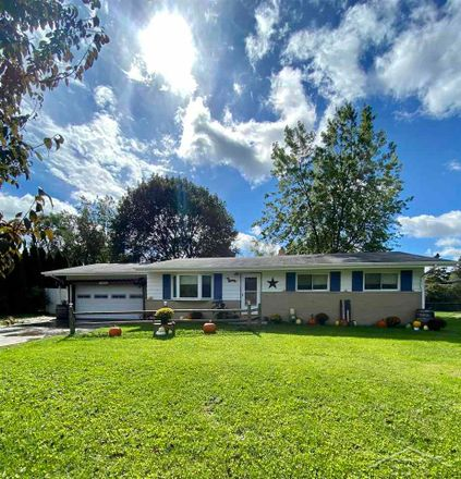 Rent this 3 bed house on Willowbrook Drive in Saginaw Charter Township, MI 48638