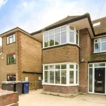 Rent this 5 bed house on East End Road in London N3 2TA, United Kingdom