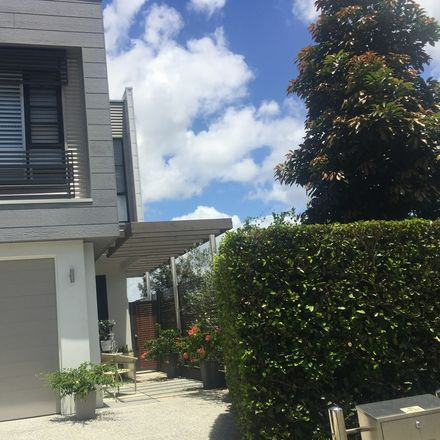 Rent this 2 bed house on Gold Coast in Robina, QLD