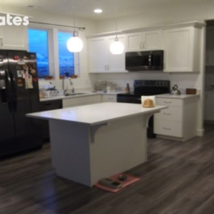 Rent this 3 bed townhouse on Daybreak Parkway in South Jordan, UT 84095-4811