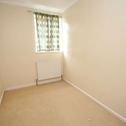 Rent this 4 bed apartment on Edgehill Place in Coventry, CV4 9HU