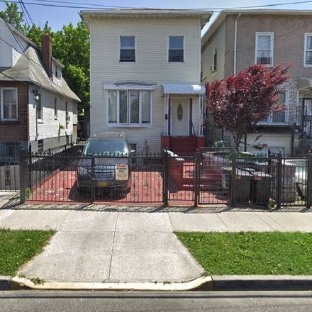 Rent this 4 bed house on 2246 Quimby Avenue in New York, NY 10473