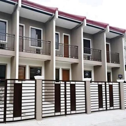 Rent this 2 bed house on URCI Parking in Alabang-Zapote Road, Las Piñas