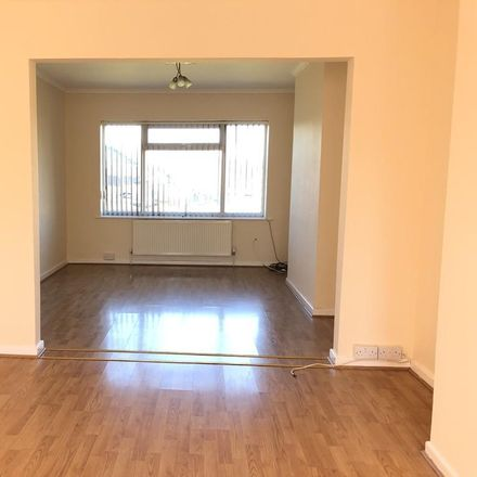 Rent this 3 bed house on Wynchcombe Avenue in Wolverhampton WV4 4JQ, United Kingdom
