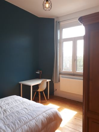 Rent this 3 bed room on 12 Rue de Bouvines in 59042 Lille, France