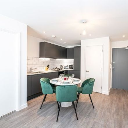 Rent this 3 bed apartment on University Academy 92 in Talbot Road, Gorse Hill