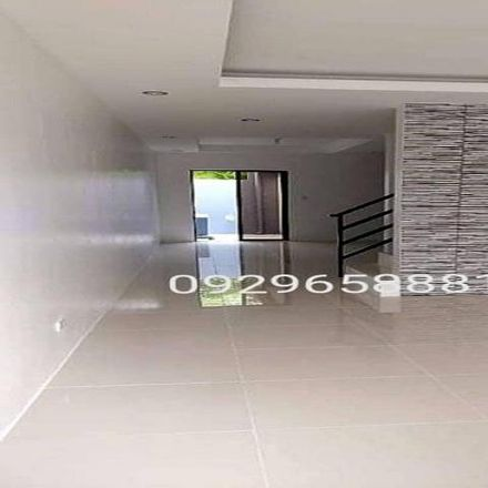 Rent this 3 bed townhouse on Sta Lucia Center in Robinsons Metro East, St. Pio Drive
