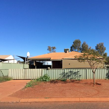 Rent this 3 bed house on B/3 Knox Way