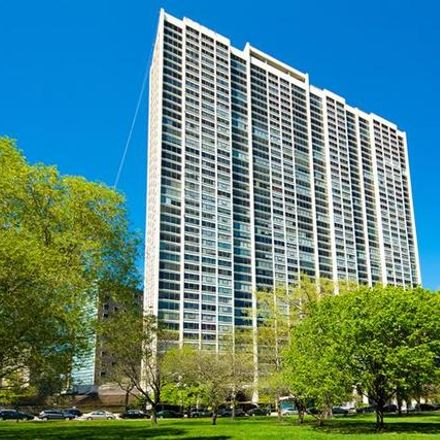 Rent this 1 bed townhouse on 2800 North Lake Shore Drive in Chicago, IL 60657