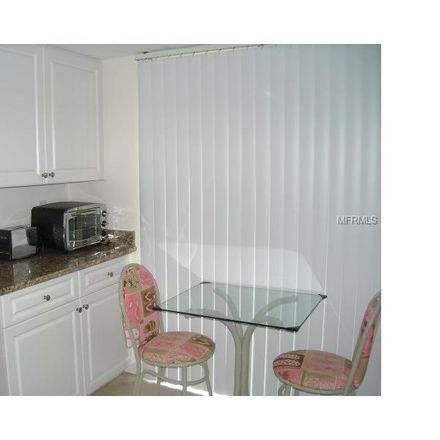 Rent this 3 bed condo on Glenhouse Drive in Vamo, FL 34231
