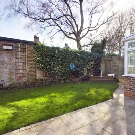 Rent this 3 bed house on The Water Tower in Park Lane, Reading RG31 4DU