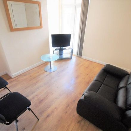 Rent this 4 bed room on Kingsway in Coventry CV2 4FE, United Kingdom