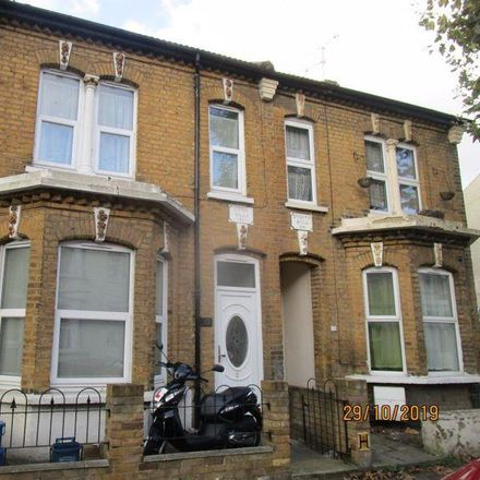 Rent this 3 bed house on Wesley Road in Southend-on-Sea SS1 2HE, United Kingdom