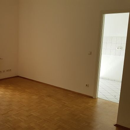 Rent this 3 bed apartment on Dr.-Friedrich-Wolf-Straße 8 in 07545 Gera, Germany