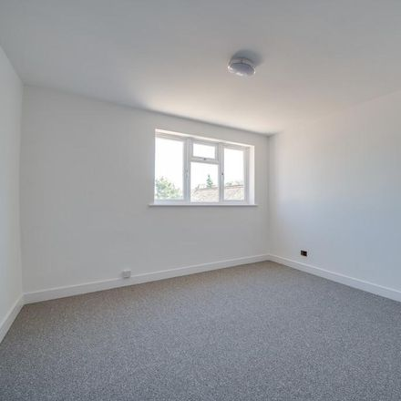 Rent this 2 bed apartment on Portsea Island Opticians in 158 London Road, Portsmouth PO2 9DJ