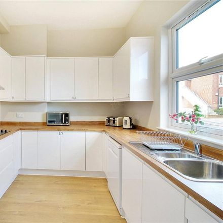 Rent this 1 bed room on Spectrum Sales & Marketing Suite in London Road, Tunbridge Wells TN4 0PA