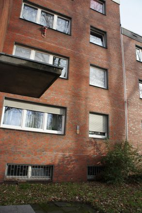Rent this 2 bed apartment on Fiskusstraße 106 in 47167 Duisburg, Germany
