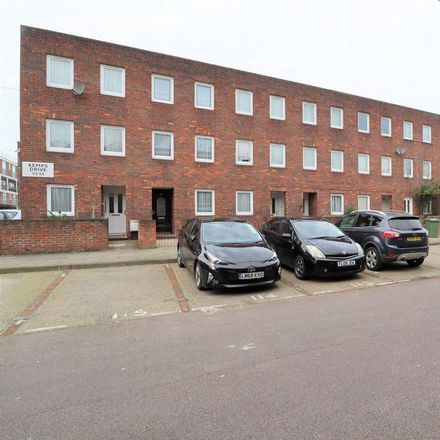 Rent this 4 bed house on 42-70 Rosefield Gardens in London E14 6JH, United Kingdom