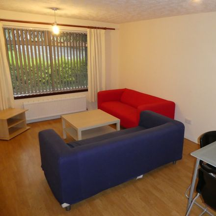 Rent this 3 bed room on 37 St Mungo Avenue in Glasgow G4 0PJ, United Kingdom