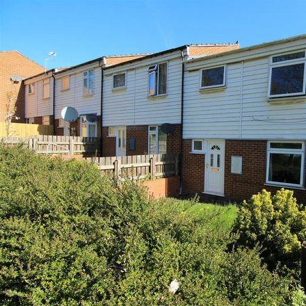 Rent this 3 bed house on 19 Brockenhurst Gardens in Nottingham NG3 2HT, United Kingdom