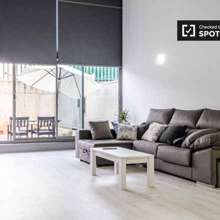 Rent this 2 bed apartment on Carrer EP Sector dels Gremis B in 46014 Valencia, Spain