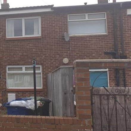 Rent this 3 bed house on Lifestyle Express in Hill Park Road, South Tyneside NE32 5UJ