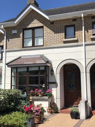 Rent this 2 bed house on Cornelscourt in Newtown Castlebyrn, L