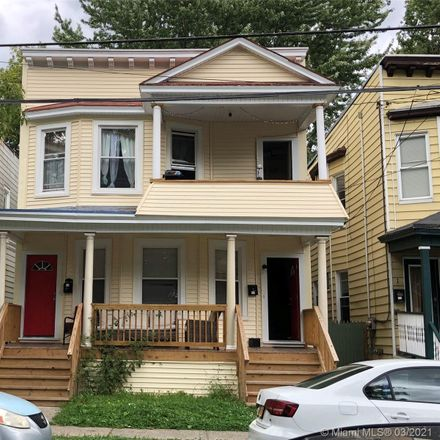Rent this 3 bed duplex on Myrtle Ave in Albany, NY