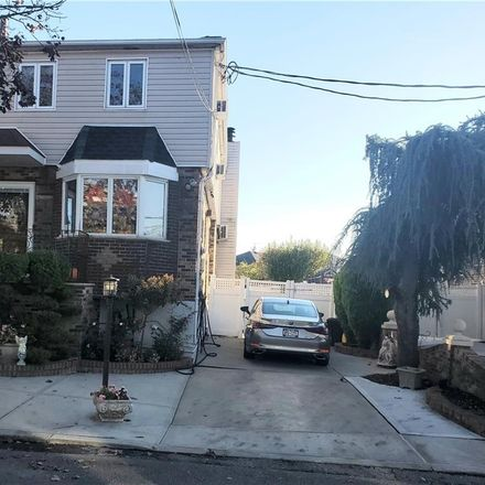 Rent this 3 bed house on Peri Ln in Brooklyn, NY