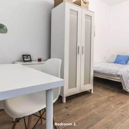 Rent this 4 bed room on Carrer Peris I Valero in 46470 València, Valencia