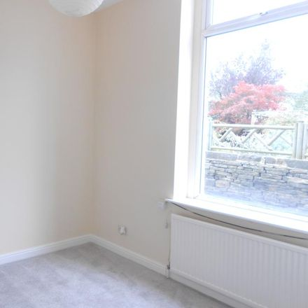 Rent this 2 bed apartment on Village Street in Calderdale HX3 8QR, United Kingdom