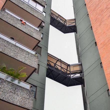 Rent this 3 bed apartment on Zamudio Clínica Vaterinaria in Avenida 4 Norte, Comuna 2