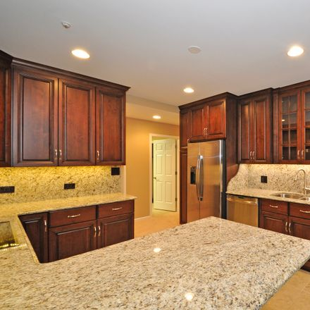 Rent this 3 bed townhouse on 85 East Laurel Avenue in Lake Forest, IL 60045