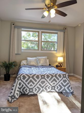 Rent this 1 bed condo on N Woodrow St in Arlington, VA