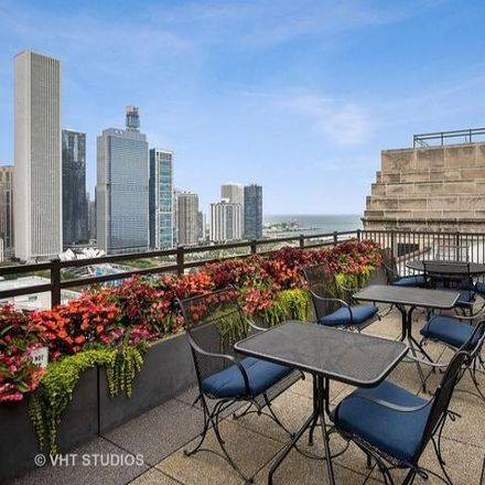 Rent this 2 bed condo on Metropolitan Tower in 310 South Michigan Avenue, Chicago