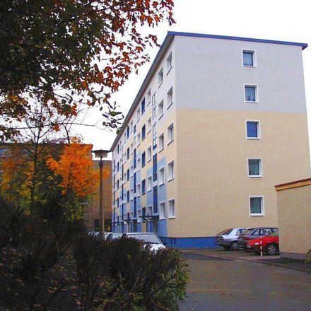Rent this 3 bed apartment on Friedrich-Engels-Straße 11 in 08523 Plauen, Germany