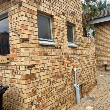 Rent this 2 bed townhouse on Central Avenue in Dawkinsville, Klerksdorp
