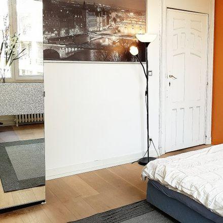 Rent this 9 bed apartment on Avenue Molière - Molièrelaan 139 in 1050 Ixelles - Elsene, Belgium