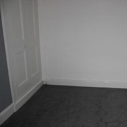 Rent this 1 bed room on Royal Avenue in Doncaster DN1 2LT, United Kingdom