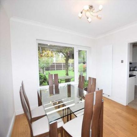 Rent this 5 bed house on Kenilworth Drive in Hertsmere WD6 1QN, United Kingdom