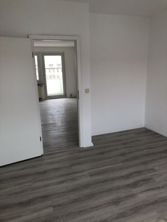 Rent this 3 bed apartment on Neschwitzer Straße 5a-f in 01917 Kamenz - Kamjenc, Germany