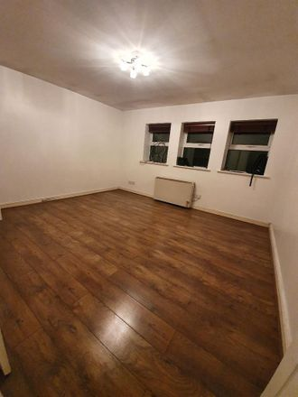 Rent this 2 bed apartment on Broxbourne EN8 7ED