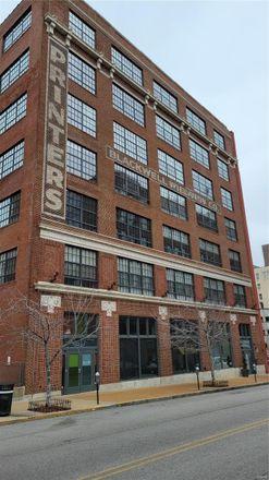 Rent this 2 bed loft on 1611 Locust Street in Saint Louis, MO 63103