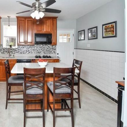 Rent this 3 bed house on 726 Florence Avenue in Webster Groves, MO 63119