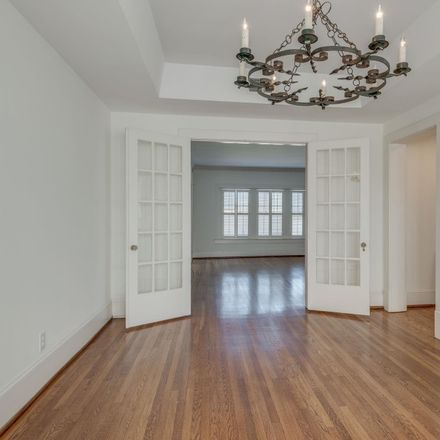 Rent this 1 bed apartment on W End Pl in Nashville, TN